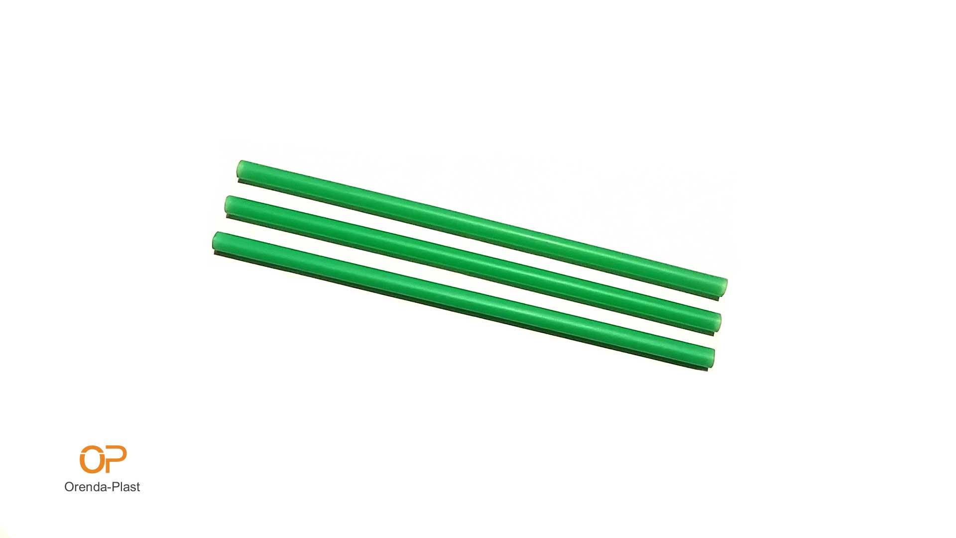 Прави сламки зелени